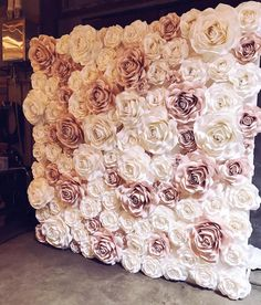 amazing paperrose wall using Ann Neville Design Rose templates. Looks so fluffy and soft ! Flower wall, fake flowers, maybe staple or hot glue? Flower Wall for Photo Booth I want a flower wall at my shower so cute photos can be taken A bigger version of t Flower Wall Wedding, Diy Wedding, Wedding Flowers, Dream Wedding, Wedding Day, Paper Flower Backdrop Wedding, Floral Wedding, Bridal Shower Backdrop, Wedding Reception Backdrop
