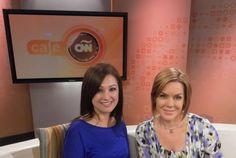 Heiddy Sulbarán y Lucía Navarro en los estudios de CNN en Atlanta. Atlanta, Studios, Interview
