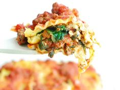 Need a dairy free dinner that will please even the pickiest eaters? Try this insanely delicious dairy free lasagna recipe! Made with just 8 ingredients. Dairy Free Lasagna, Spinach Lasagna, Gluten Free Pasta, Spinach Stuffed Mushrooms, Homemade Sauce, Pasta Recipes, Healthy Recipes, Dinner, Cooking