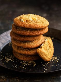 White Chocolate Caramel Crunch Cookies | Donna Hay