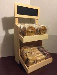Countertop jewelry display cases elegant diy display case inspiration ideas for your favorite collections of countertop Bakery Cafe, Bakery Decor, Bakery Design, Rustic Bakery, Bakery Store, Bakery Display Case, Display Cases, Display Ideas, Wood Display Stand