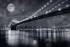 Луна над Бруклинским мостом