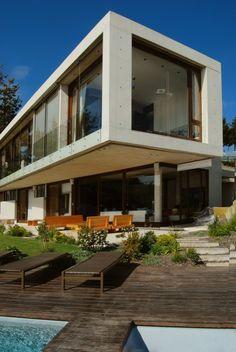 Casa Cantagua / Daniela Uribe Arquitectos #architecture #design #luxury #architect #dreamhome #dreamhouse #love #house #home #modern #create #build #interior #exterior