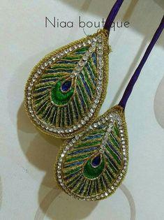 Saree Tassels Designs, Saree Kuchu Designs, Kids Blouse Designs, Peacock Blouse Designs, Hand Embroidery Dress, Hand Embroidery Designs, Stylish Blouse Design, Feather Jewelry, Gold Earrings Designs