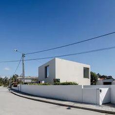 44+ new ideas house plans duplex front elevation Concrete Houses, Precast Concrete, Cubes, Portugal, Low Cost Housing, Wooden Staircases, Container House Plans, Minimalist Architecture, Built In Storage