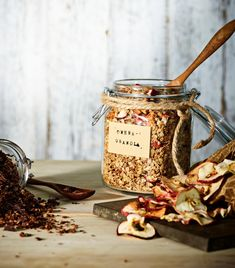 Granola | Arjen nopeat, Aamiaiset | Soppa365 Granola, Beer, Tableware, Christmas, Food, Root Beer, Xmas, Ale, Dinnerware