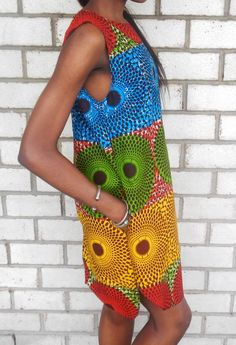 4 Factors to Consider when Shopping for African Fashion – Designer Fashion Tips African Inspired Fashion, African Print Fashion, Africa Fashion, African Prints, African Dresses For Women, African Wear, African Women, Fashion Fabric, Fashion Prints