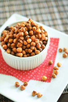 Crunchy, savory, roasted chickpeas? Making these this weekend for a study snack.