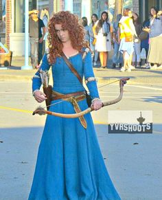 Amy Manson/Merida on set of episode 5x05