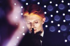 These Portraits Capture David Bowie At the Height of His 1970s Glory