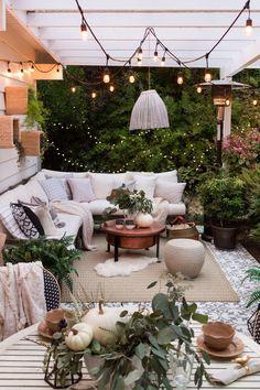 cozy bohemian outdoor patio space porch area > decoration ideas > boho decor Backyard luxury back yard
