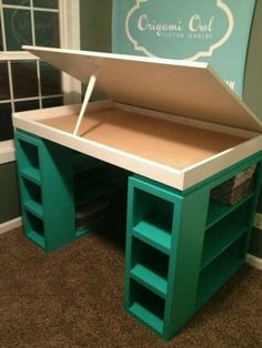 What a neat idea for a desk