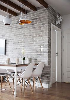 Modernise the classic rustic appearance with smooth furnishings, neutral tones, bare floor, and also greyed brick walls. Among the popular suggestions and also contemporary styles with blocks is to lighten the blocks compared to the typical deep red tone to make it a lot more natural with the current minimalist design.