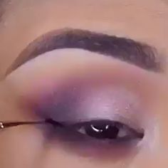 Eyeliner Tutorial - New Ideas Really Funny Memes, Funny Video Memes, Stupid Funny Memes, Funny Relatable Memes, Makeup Quotes Funny, Makeup Humor, Funny Makeup, Nono Le Petit Robot, Meme Rindo