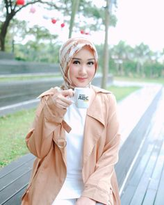 May your clothes be comfy, your eyeliner be even, your coffee be strong, and your monday be short! 😄💛 Have a good Monday y'all! With my fav… Good Monday, Beautiful Hijab, 3i Network, Hijab Fashion, Eyeliner, Strong, Comfy, Hijab Styles, Clothes
