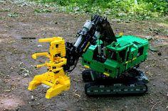 Feller buncher. author Desert Eagle LEGO Technic Creations | by denvut