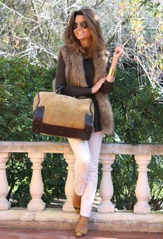 Like the browns and skinny white jeans, and the bracelet. Purse too big. Fashion Wear, Fashion Looks, Fashion Outfits, Womens Fashion, Sexy Outfits, Cool Outfits, Casual Outfits, Looks Style, Casual Looks
