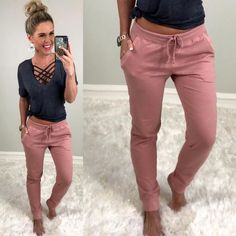 Trendy Fall Outfits, Summer Work Outfits, Cute Comfy Outfits, Spring Outfits, Comfy Clothes, Cute Lounge Outfits, Work Clothes, Summer Clothes For Women, Cute Jean Outfits