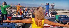 'La La Land' director breaks down the movie's amazingopening