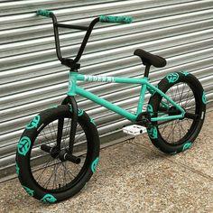 "BMX on Instagram: ""from @bmxstreets1 _______________________________ #bmx #bmxstreet #bmxlife  #bmxlove  #bmxfamily #bmxislife #bmxgirl #bmxallday #bmx4life…"" Bicycle Paint Job, Bicycle Painting, Mt Bike, Cruiser Bicycle, Bicycle Women, Bicycle Girl, Bicicletas Cannondale, Bmx Videos, Bmx Pro"
