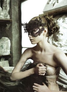 Valentino haute couture Fall 2009, photographed by Sofia & Mauro for Vogue Italia, September 2009 (cropped image, but it works!). Lace mask: Philip Treacy.