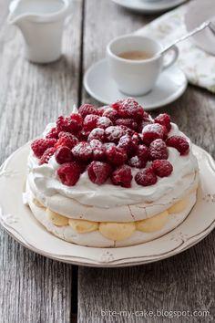 Video recept: Torta od vanilije i malina Pavlova Cake, Torte Cake, Torte Recepti, Kolaci I Torte, Cake Recipes, Dessert Recipes, Desserts, Croatian Cuisine, Torta Recipe