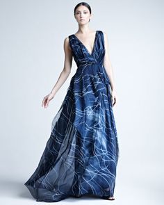 Carolina Herrera  Hand-Painted Silk Organza Gown http://www.neimanmarcus.com/products/mx/NMB1WAH_mx.jpg