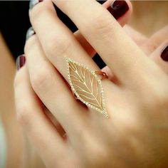 """""""Leafy Lace"""" Diamond Leaf Ring-- not entirely practical, but still very pretty. I would love this for sake of a costume, character outfit, or photo shoot. Gold Jewelry Simple, Gold Rings Jewelry, Hand Jewelry, Stylish Jewelry, Gemstone Jewelry, Fashion Jewelry, Bridal Jewelry, Antique Jewelry, Aztec Jewelry"""