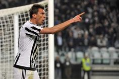 Juventus-Lazio 3-0, bianconeri inarrestabili - http://www.maidirecalcio.com/2016/04/20/juventus-lazio-3-0-analisi-pagelle.html
