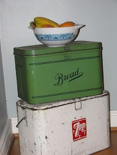 Love the vintage cooler and Bread Keeper Vintage Bread Boxes, Vintage Tins, Vintage Antiques, Retro Vintage, Old Kitchen, Kitchen Stuff, Vintage Kitchen, Vintage Cooler, Retro Kitchen Accessories