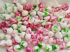 Meringue Kisses - Sněhové pusinky Meringue Kisses, Cakepops, Pavlova, Food Hacks, Flowers, Youtube, Finger Food, Catering, Cookies
