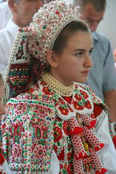 Folk Clothing, Historical Clothing, Swedish Women, Family Roots, Folk Dance, Folk Costume, Traditional Outfits, Flower Power, How To Wear