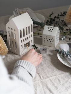 Simple, Scandinavian Christmas decorations with Kahler - Christmas tealight houses - cosy Christmas - hygge Christmas Hygge Christmas, Cosy Christmas, Simple Christmas, Christmas Home, Scandinavian Christmas Decorations, Scandinavian Home, Christmas Dining Table, Nordic Lights, Ceramic Workshop