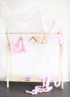 A Bubbly LifeDIY Wooden Clothing Rack in 10, Yes, 10 Minutes - A Bubbly Life