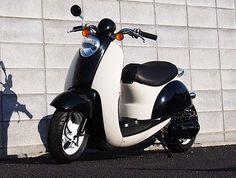 ミキピー MIKIP ホンダ スクーピー 50 カスタム Metropolitan SCOOPY CUSTOM Scooter Custom, Custom Bikes, Honda Metropolitan, Scooter Motorcycle, Motor Scooters, Mini Bike, Tricycle, Kawaii Anime, Motorbikes
