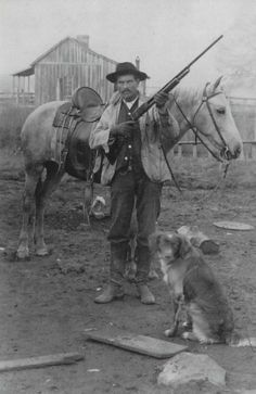 """Large-scale Ranchers sometimes hired """"cattle detectives,"""" gunslingers who violently policed open-range herds for rustling, re-branding, or property disputes in the often lawless Wild West. Vintage Pictures, Old Pictures, Cowboy Pictures, Westerns, Old West Photos, Western Photo, Western Art, Wild West Cowboys, Into The West"""