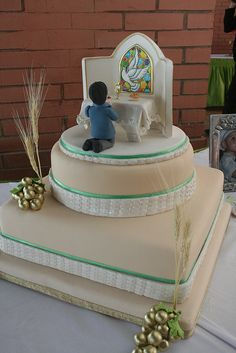 HOLY COMUNNION CAKE by CAKES Variedades Dalila, via Flickr