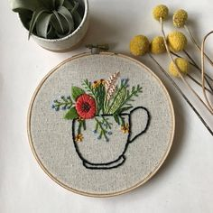 flowers in mug embroidery Wooden Embroidery Hoops, Embroidery Flowers Pattern, Hand Embroidery Patterns, Diy Embroidery, Cross Stitch Embroidery, Sewing Art, Embroidery Techniques, Decoration, Cotton Thread