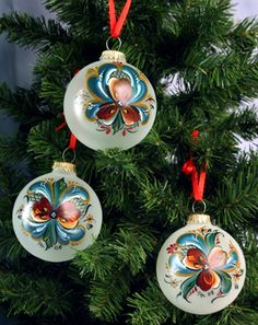 Rosemaled ornaments