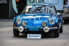 #Alpine #A110 à l'exposition #Bonhams au #Grand_Palais Reportage et résultats : http://newsdanciennes.com/2016/02/09/les-grandes-marques-au-grand-palais-par-bonhams-exposition-et-resultats/ #Voiture #Ancienne #ClassicCar