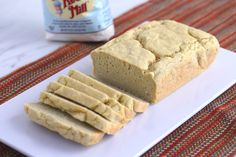 This is the most basic and EASY gluten free bread recipe to make—but the taste and texture are out of this world! It's soft, light, and fluffy, which isn't always the case for a gluten free bread recipe… Best of all, you only need Gluten Free Bread Recipe Without Yeast, Gluten Free Sandwich Bread Recipe, Homemade Bread Without Yeast, Gluten Free Bread Recipe Easy, Yeast Free Breads, No Yeast Bread, Yeast Bread Recipes, Bread Food, Food Food