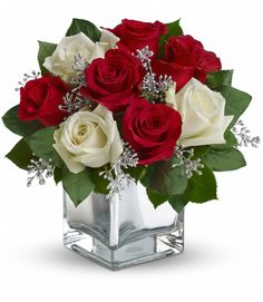 #Mancusos.com #Flowers #Christmas #Holiday