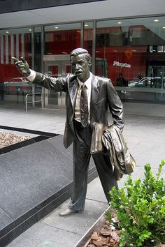 NYC statue - Taxi!