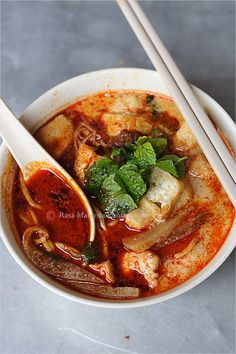 Penang is one of the world's top dining destinations. And street food--or hawker food, as it's locally known--is the city's big draw. Penang hawker food reflects the multicultural makeup of the town itself, which boasts citizens of Chinese, Malay and Indian descent. #curry #coconutmilk