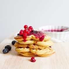 This is a delicious and easy summery gluten free lemon Waffles with berry compote recipe to start a beautiful summer's morning Baby Food Recipes, Fall Recipes, Gluten Free Recipes, Mexican Food Recipes, Summer Recipes, Dessert Recipes, Pancake Recipes, Best Slow Cooker, Slow Cooker Recipes