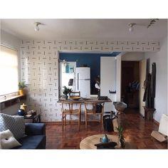 Projeto @treearquiteturaedesign com nossos azulejos Traço :-) // Shop Online http://www.lurca.com.br/ #azulejos #azulejosdecorados #revestimento #arquitetura #reforma #decoração #interiores #decor #casa #sala #design #cerâmica #tiles #ceramictiles #architecture #interiors #homestyle #livingroom #wall #homedecor #lurca #lurcaazulejos