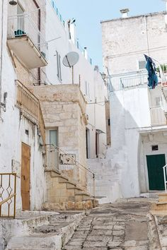 Italian streets in Ostuni, Italy | Everything you need to know about visiting Puglia, Italy including where to go, what to do, and how to do it. Polignano a Mare, Alberobello, Gallipoli, Ostuni, Locorotondo and more!