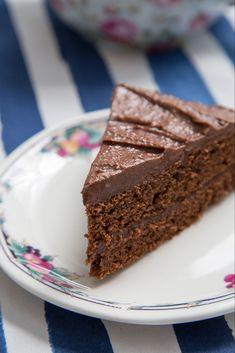 Chocolate Victoria Sponge Cake Recipe You'll Love - Mary Berry Recipe - Chocolate Victoria Sponge Cake, Chocolate Sponge Cake, Tasty Chocolate Cake, Chocolate Recipes, Mary Berry Chocolate Cake, Chocolate Coffee, Sponge Recipe, Sponge Cake Recipes, Victoria Sponge Rezept