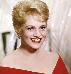 """old-hollywood-stars: """"Judy Holliday Born: Judith Tuvim June 1921 in New York City, New York, USA Died: June 1965 (age in New York City, New York, USA """" Hooray For Hollywood, Golden Age Of Hollywood, Vintage Hollywood, Hollywood Stars, Classic Hollywood, Judy Holliday, Jean Arthur, Classic Actresses, Actors & Actresses"""