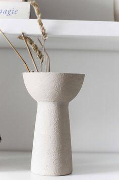Ceramic Painting, Ceramic Vase, Objet Deco Design, Keramik Design, Painted Vases, Diy Home Decor Projects, Reno, Diy Paper, Home Decor Inspiration